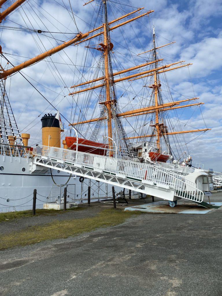 海王丸船体塗装