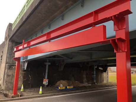 高架橋衝突防止